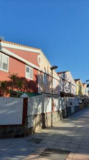 How beautiful were these pastel houses?